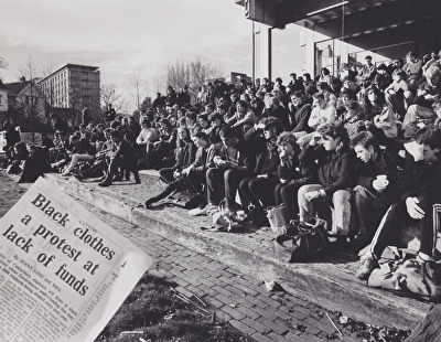 1988 - Photograph of 'Black Wednesday' Protest